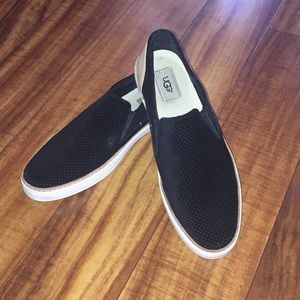 UGGS slip- on suede size 10 black/ tan New